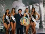 Le vincitrici con il Sindaco di Vietri Francesco Benincasa IMG_9803