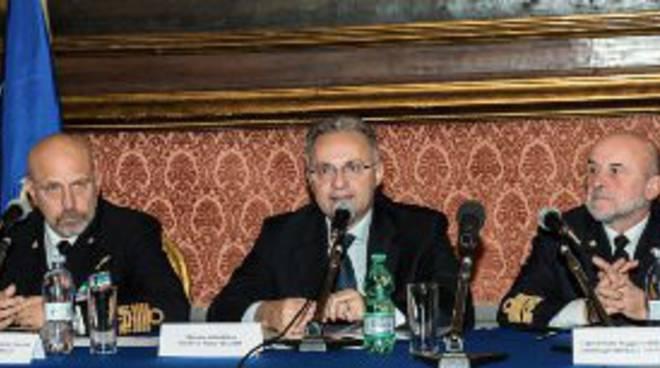 Cavour, conferenza stampa ministro Mauro