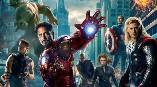 Avengers-poster-italiano-dettaglio