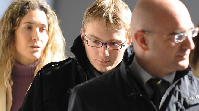 Omicidio di Garlasco, indagato il giovane del dna, dopo l'esposto della madre di Alberto Stasi.