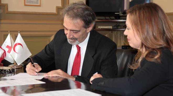 Firmato il protocollo d'intesa tra i presidenti di Croce Rossa e Whirlpool EMEA01
