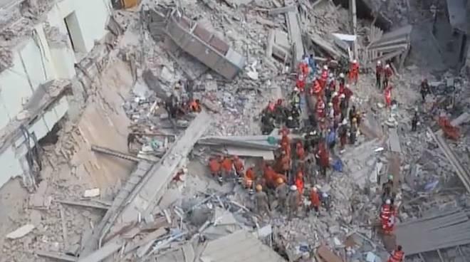 Terremoto. Più di 80 scosse nella notte.
