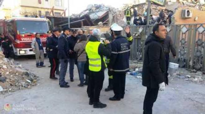 crollo-acilia-polizia-roma-capitale