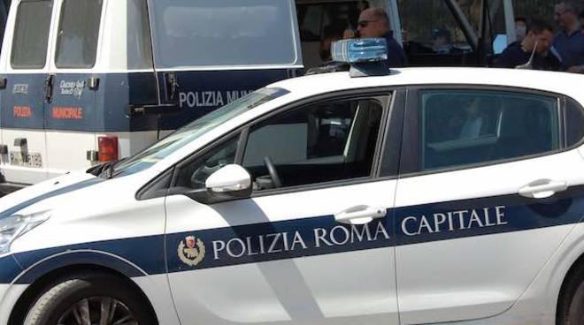 Roma, scooter investe pedone a Monteverde: due feriti gravi
