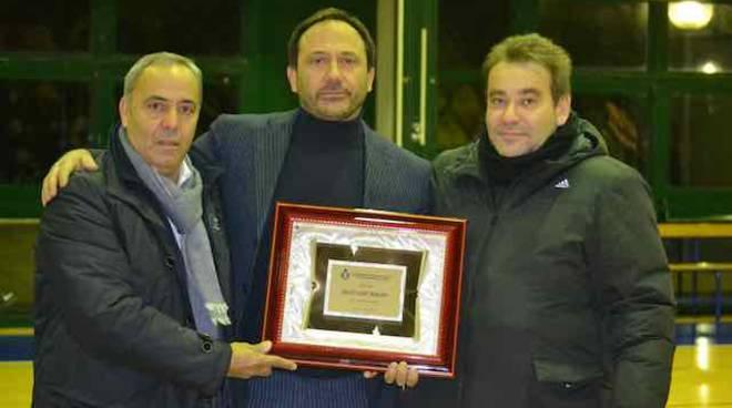 volley frascati musetti premiato per i 50 anni del club da burlandi e martinelli