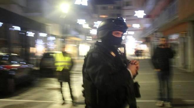 Blitz forze dell'ordine