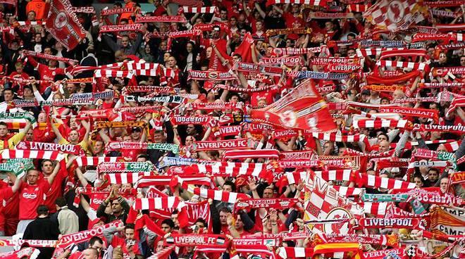 Scontri Liverpool-Roma, 2 ultras giallorossi arrestati per tentato omicidio