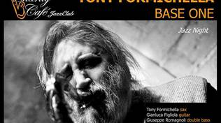 Tony Formichella Base One in concerto al Charity Café