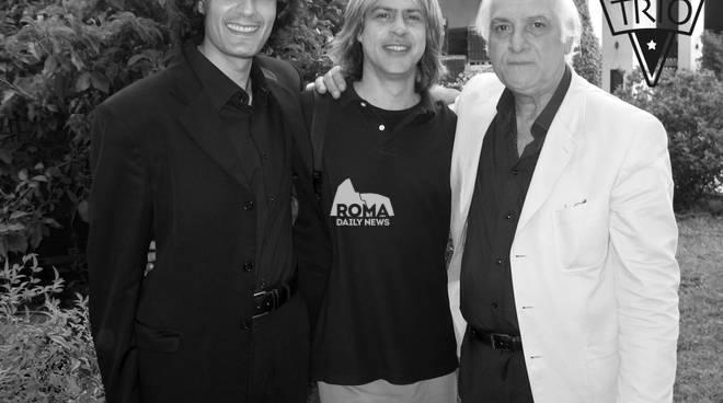 Acoustic Swing Trio in concerto a Village Celimontana