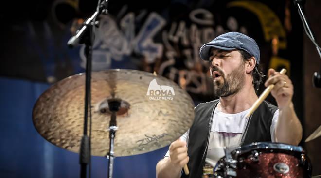 Lorenzo Tucci Sparkle Trio in concerto al Village Celimontana