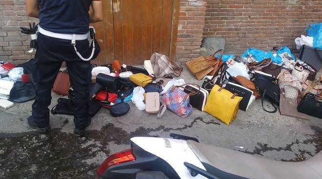 Roma - sequestro merce contraffatta