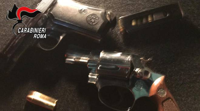 Pistole nascoste in motorini