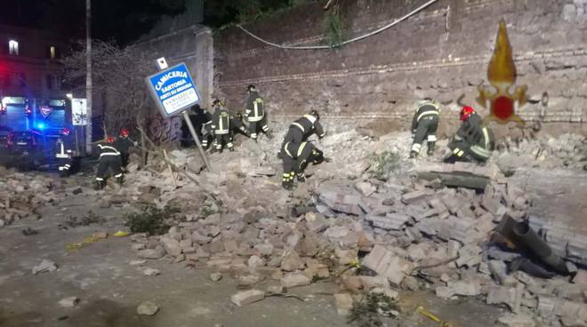 crollo muro san lorenzo villa mercede