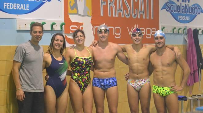 I cinque ragazzi del 3t Frascati assieme a Fanella