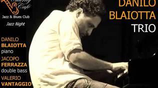 Danilo Blaiotta Trio in concerto al Charity Café