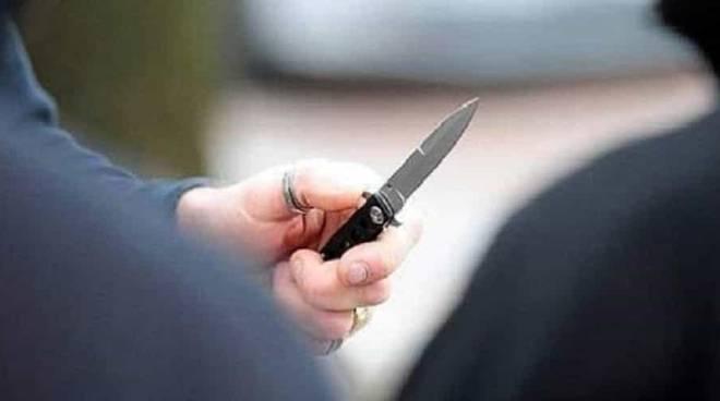 Rapina con coltello