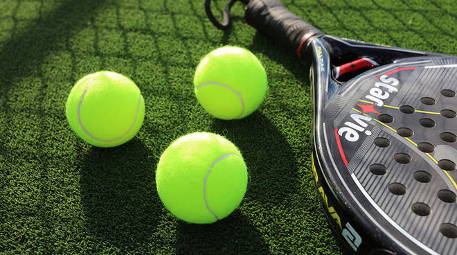 tennis-paddle