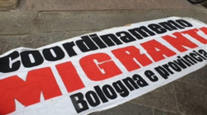protesta migranti a Bologna