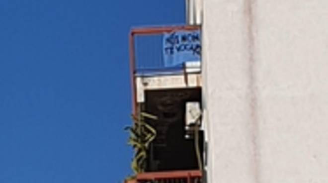striscione contro Salvini 23-05-19