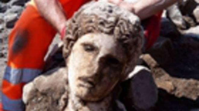 testa di statua 24-05-19