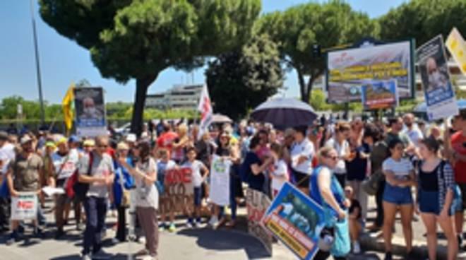 protesta discarica Pian dell'Olmo 24-06-19