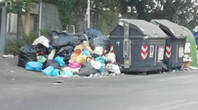 emergenza rifiuti 9-7-19