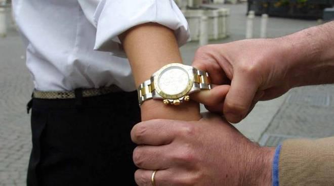rapina orologio
