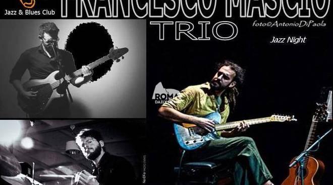 Francesco Mascio Trio in concerto al Charity Café