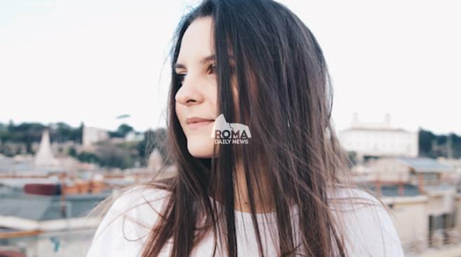 """GRETA - """"YOUNG"""": esce domani in radio il nuovo singolo della diciottenne song-writer romana di origine americana"""