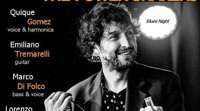 Quique Gomez & The Power Shakers in concerto al Charity Café