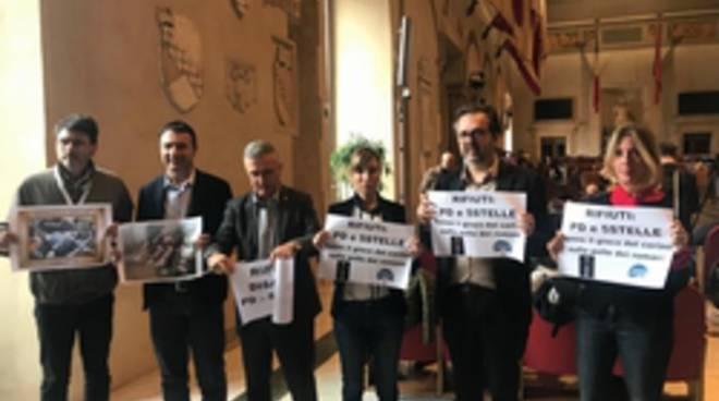 protesta FdI