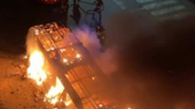 bus fiamme portuense