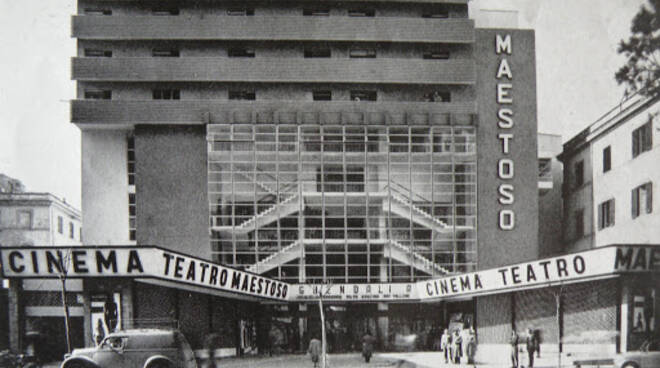cinema maestoso
