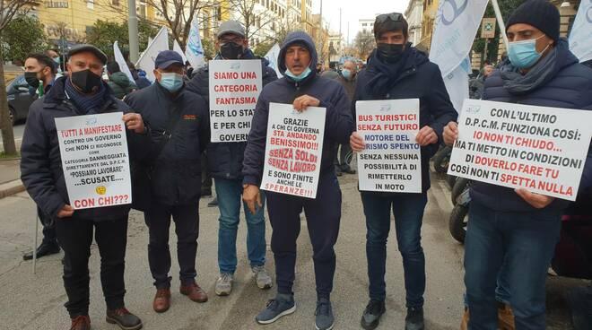 protesta bus turistici