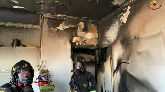 incendio appartamento villa gordiani