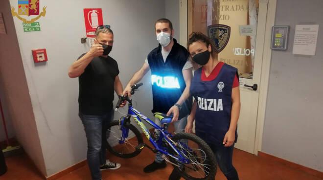 polizia stradale bicicletta bimbo
