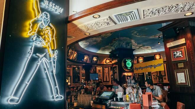 FREDDIE MERCURY HARD ROCK CAFE