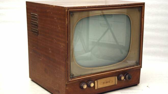 TELEVISORE 2